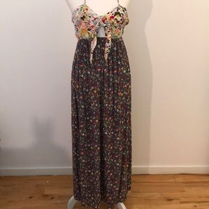 Floral halter top maxi dress size extra small